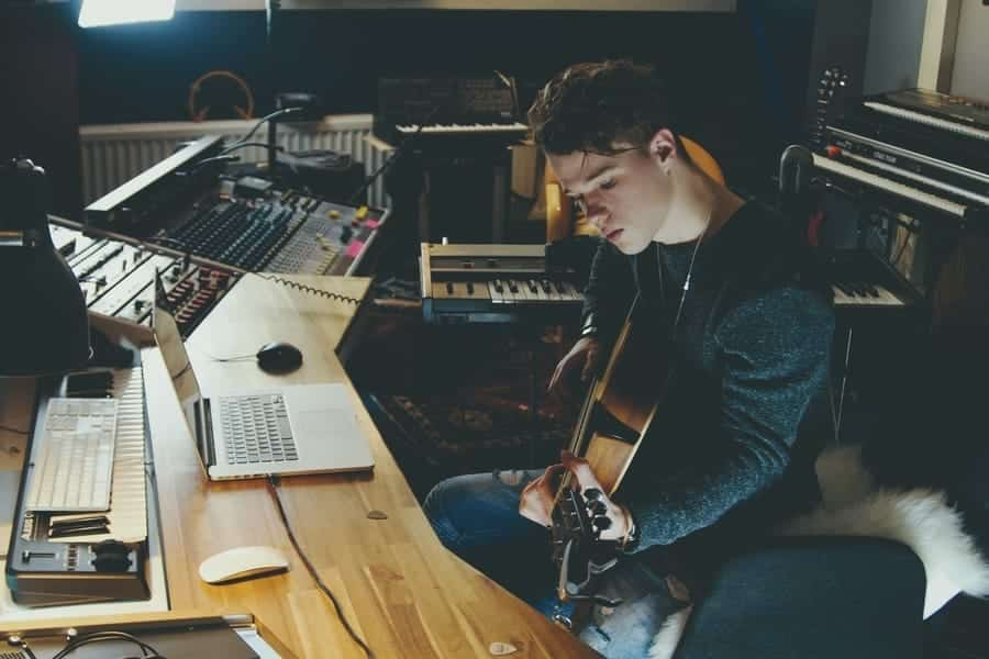 14 Ways how to Become a Songwriter in Los Angeles (New York
